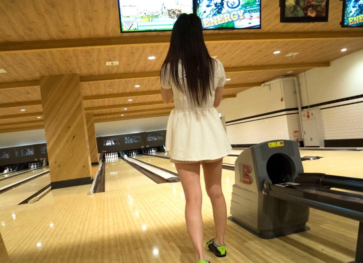 bowling tokyo jyosei iyashi 2 - スパンキングと言葉責めが大好きなヤンデレ依存系女子とボーリング   東京都世田谷区